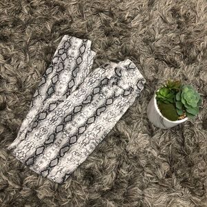 FashionNova Snake Print Pants ✨